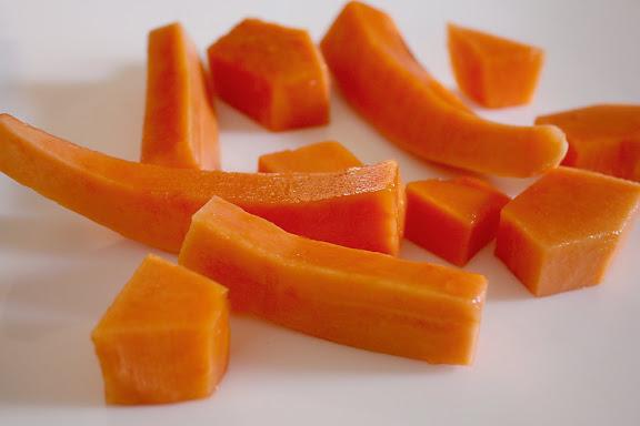 Peeled papaya