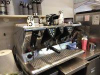 רוצים בית קפה בנווה אמירים בבוקר