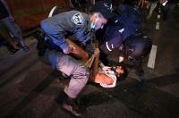 אלימות משטרתית נגד מפגינים
