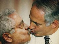 שביבי ומנהיג חמאס יתנשקו