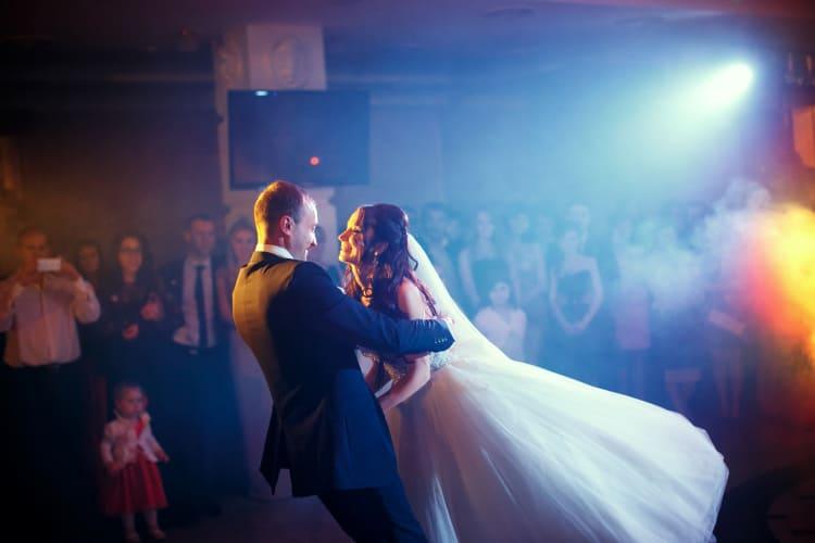 beliebte Lieder zum Hochzeitstanz