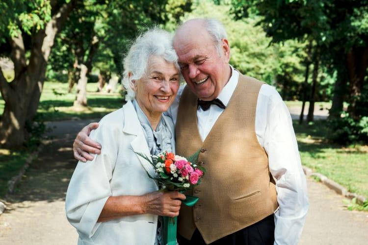 Auch die Erneuerung des Ehegelübdes ist mit einem Trauredner möglich