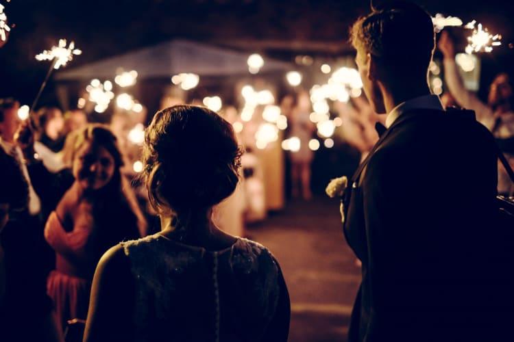 Videografen halten die romantischen Momente eurer Hochzeit für euch fest