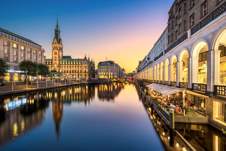 Professionelle Hochzeitsfotografen aus Hamburg hier buchen