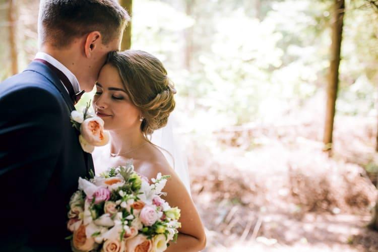 Intime und romantische Hochzeit mit professionellen Fotografen