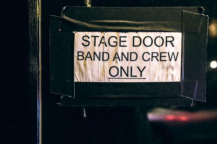 Zu einem guten öffentlichen Auftritt gehört auch euer Verhalten Backstage