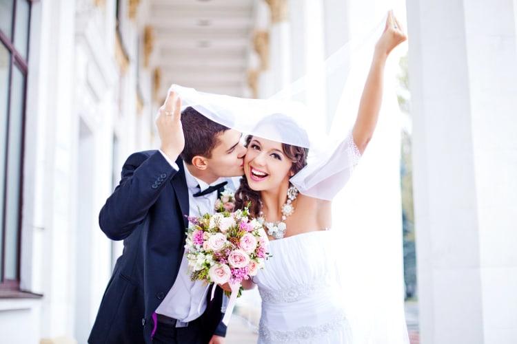Glückliche Zeiten festgehalten von professionellen Hochzeitsfotografen