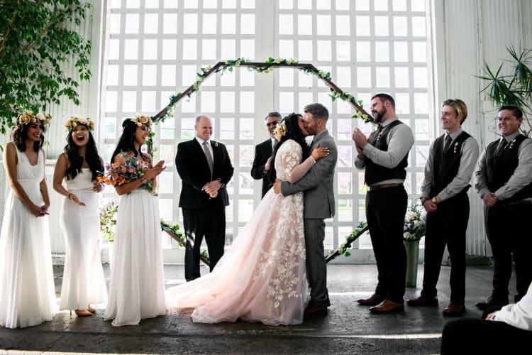 Mit Serienmodus verpasst ihr als Hochzeitsfotograf auch die wichtigen Momente nicht