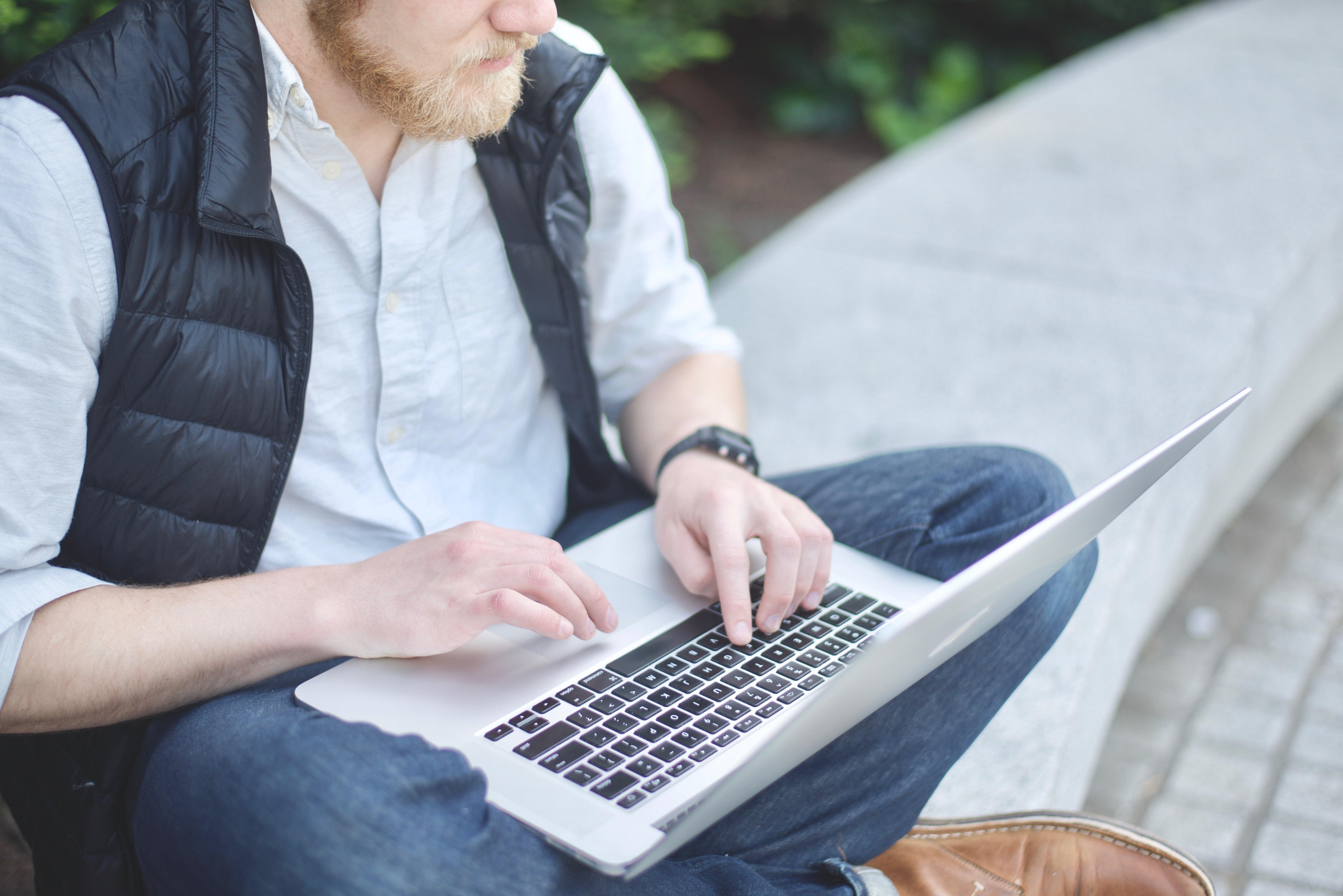 laptop en el parque