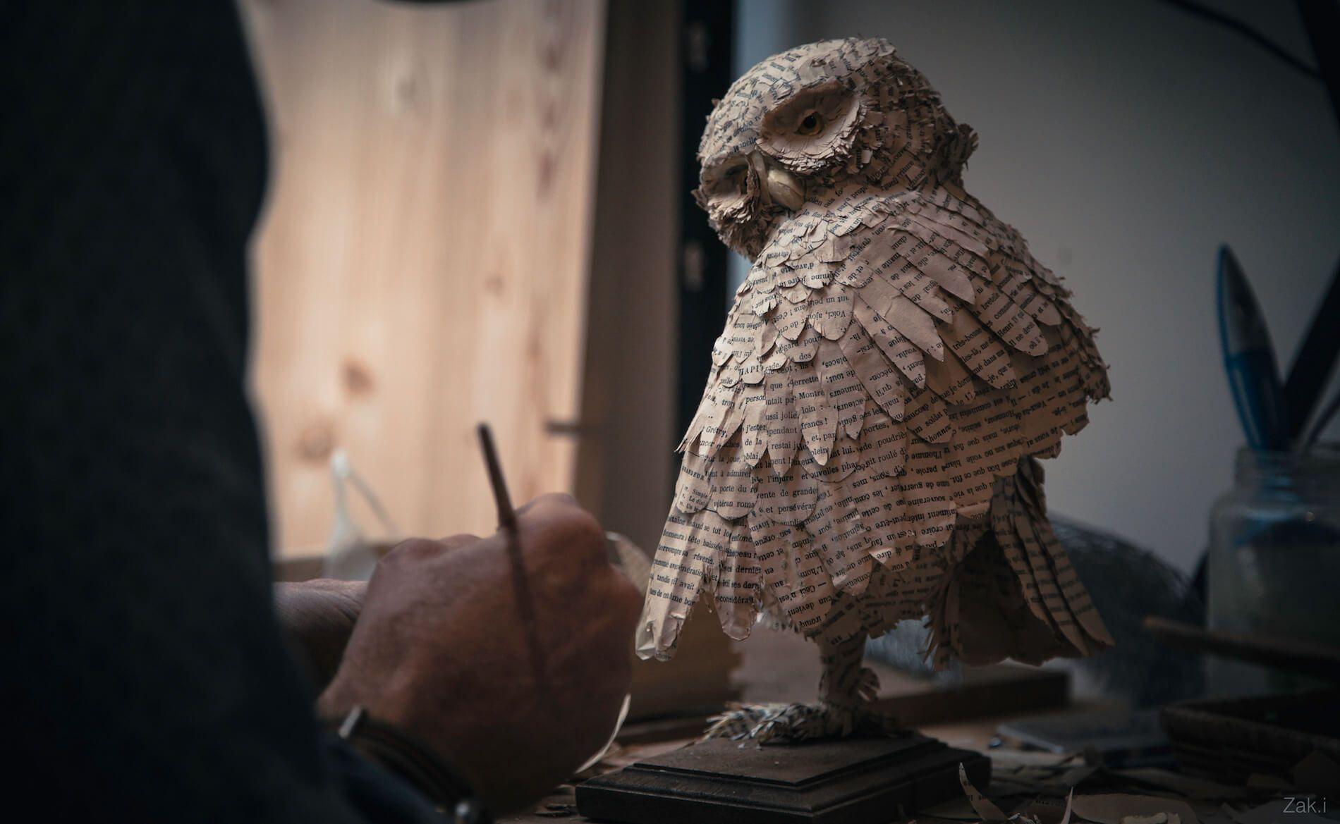 Chouette en papier, Aurélien Raynaud, peintre sculpteur animalier