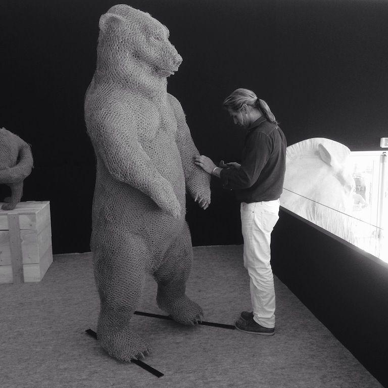 Ours en grillage, sculpture, Aurélien Raynaud, peintre sculpteur animalier