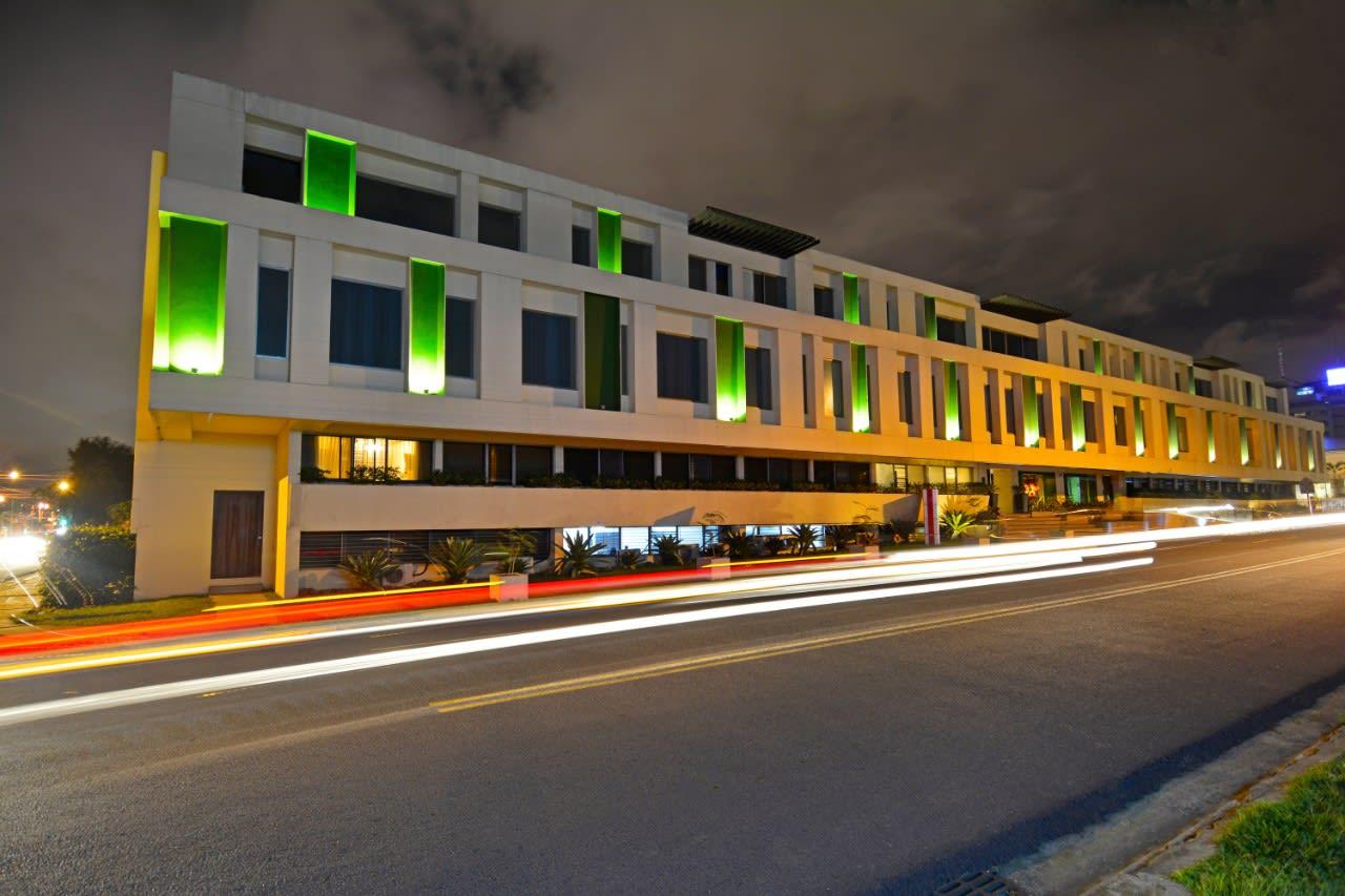 fachada hotel autentico