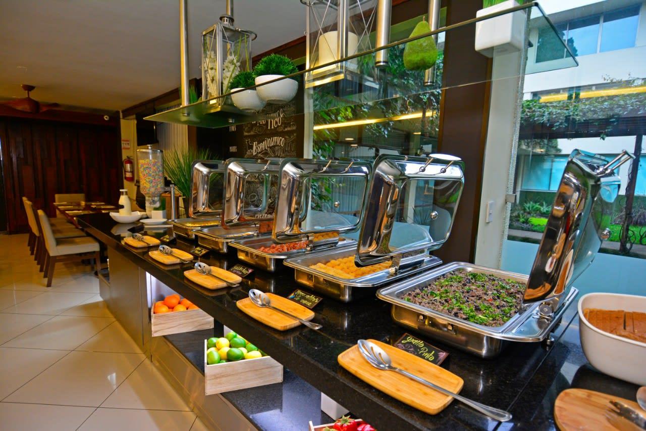 desayuno buffet hotel autentico