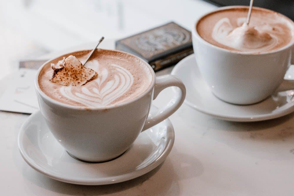 coffee cups for tea time seo