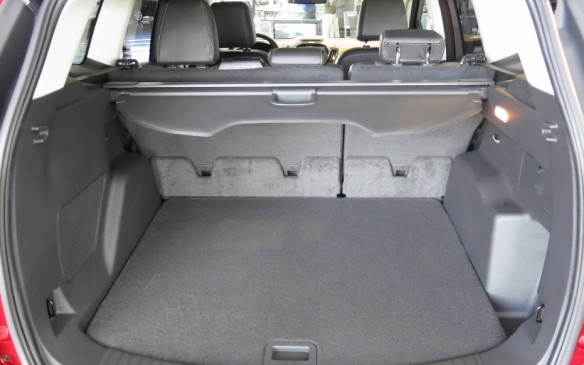 read car review 2013 ford escape. Black Bedroom Furniture Sets. Home Design Ideas