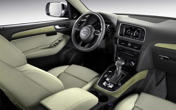 2014 Audi Q5 TDI - driver seat and instrument panel