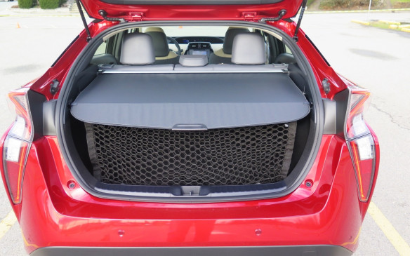 <p><strong></strong>Smaller batteries and a trunk floor that is 7.5-cm lower help give the Prius twice the luggage space of a Camry hybrid. Cargo space has been increased by 10% and the car can now accommodate a quartet of six footers.</p>
