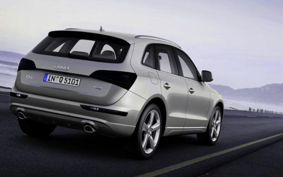 2014 Aud9 Q5 TDI - rear 3/4 view