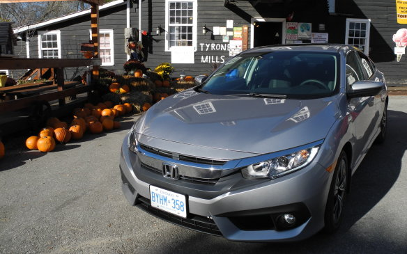 <p>2016 Honda Civic sedan</p>