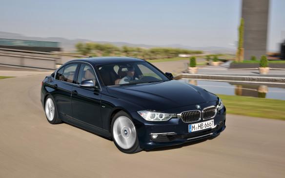 <p>2011 BMW 3 Series</p>