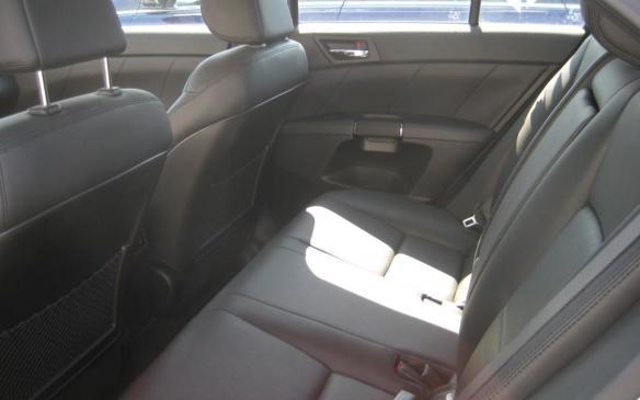 2012 Suzuki Kizashi - interior rear
