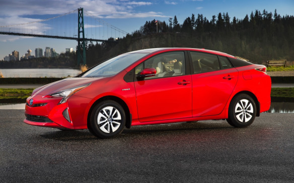 <p>The next generation of the world's best-selling hybrid.</p>