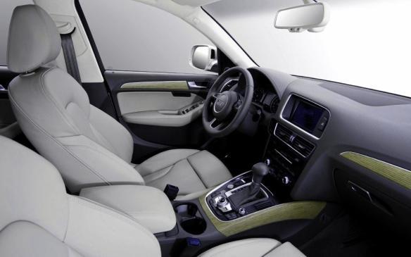 2014 Audi Q5 TDI - front seats