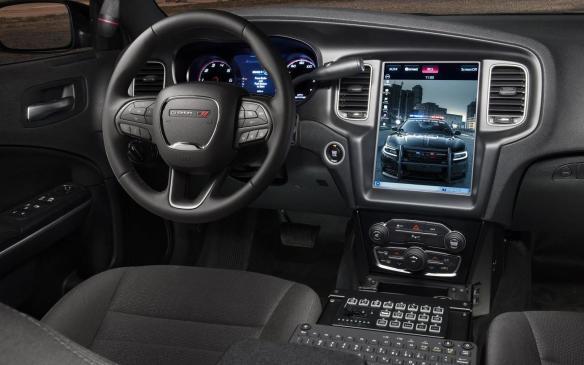 <p>Dodge Charger Pursuit cockpit</p>