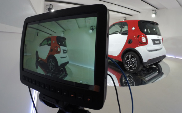 Smart Fortwo in virtual showroom