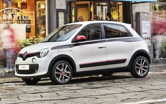 <p>One of the Smart models that may have had a future in North America was the 4-passenger Forfour. The Twingo, which has had quite a following in its home market since 1992, switched over to the rear-engine/rear-drive Smart platform in 2013, and is now actually bigger than its Fiat 500 rival, which is sold in North America.</p>