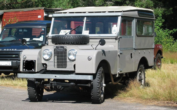 "<p>The original Land Rover was a basic vehicle with 1.6-litre gasoline engine, a 4-speed gearbox and an innovative 4-wheel drive system that featured a ""lock-up"" pull mechanism for those times when you needed all four wheels turning. The tops of the doors and a canvas or metal roof were optional.</p>"