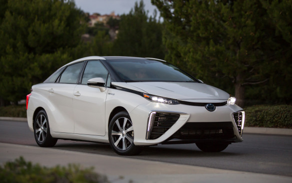 <p><strong>Toyota Mirai (Hydrogen Fuel Cell)</strong></p>
