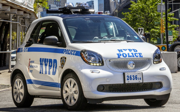 <p>NYPD Smart Fortwo</p>
