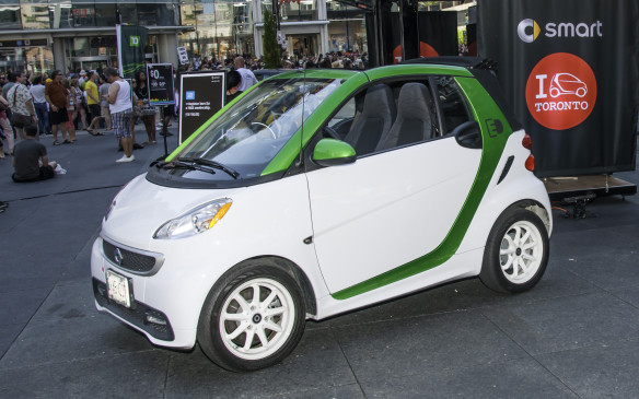 <p>Canada's second-generation Smart Fortwo used a 70-hp 1.0-L three-cylinder gasoline engine, supplied by Mitsubishi, to replace the previous tiny diesel because it couldn't easily meet U.S. emissions standards (it arrived in America after a lukewarm reception in Canada). The Fortwo grew larger – about 20 cm longer – with a fortified front crash structure. Body panels were made from recycled plastic in a multitude of hues. Inside, two occupants enjoyed a full-size cabin with enough headroom to embarrass an Escalade owner.</p>