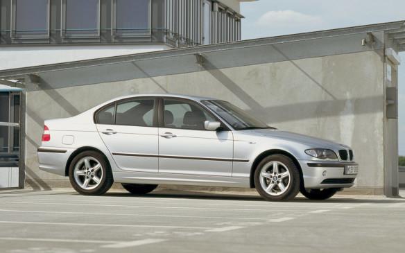 <p>2002 BMW 3 Series</p>
