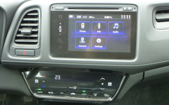 <p>Honda HR-V touchscreen</p>