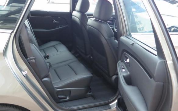 2014 Kia Rondo - rear seat