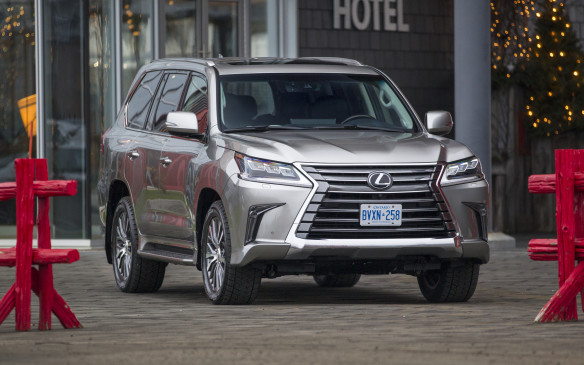 <p>2016 LX 570 gets a major makeover</p>