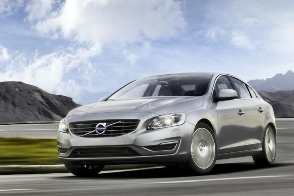 Read Auto News Volvo Updates Its 60 Models Autofile Ca