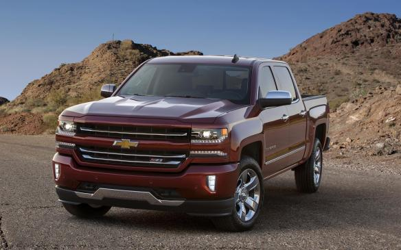 <p>All-new for 2014, the 2016 Chevrolet Silverado gets new front-end styling, interior upgrades and an eight-speed automatic transmission.</p>
