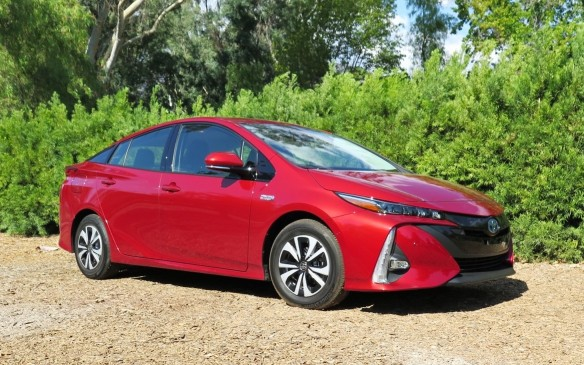 <p>Toyota is the world leader in hybrid vehicles, selling more than a dozen different models and holding almost three-quarters of the global market. But until now, it has trailed in the area of plug-in hybrids, behind those from Ford, GM and Hyundai in terms of how far they would go on a full charge.</p>