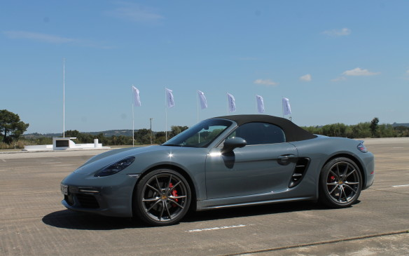 <p>Much of the new Boxster's technology is taken from the new 911, which also debuted this year. It includes the latest version of Porsche Active Suspension Management (PASM), a $2,050 option that lowers the car 10 mm and adjusts the damping on the fly.</p>