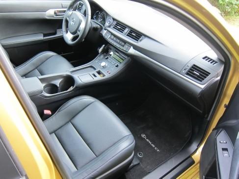 Lexus CT200h 2011 front seat