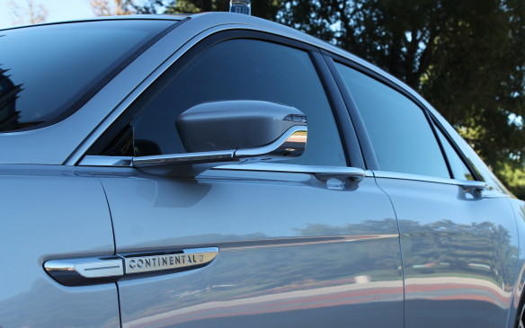 <p>The profile is intended to come across as very sleek, helped by the door handles being integrated into the chrome beltline just below the windows.</p>
