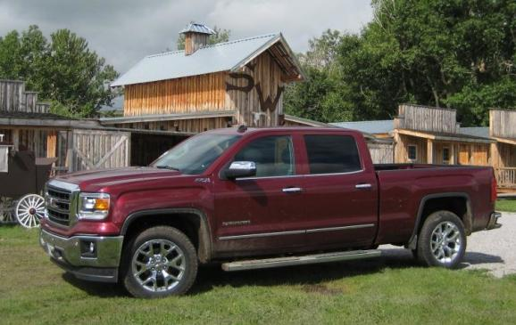 2014 GMC Sierra SLT -side view