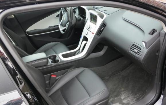 2013 Chevrolet Volt - front seat