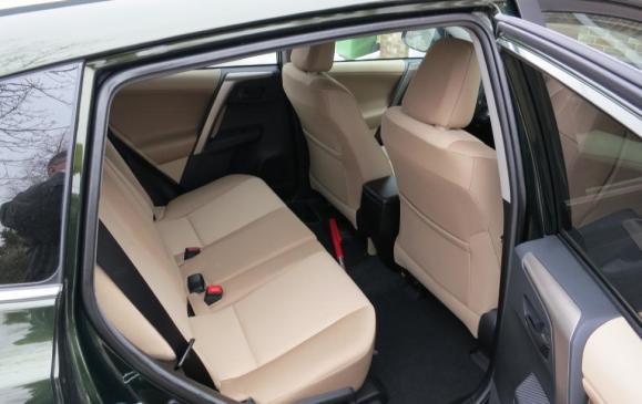2013 Toyota RA4 - rear seat