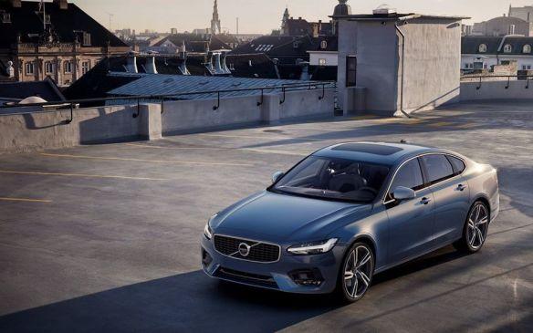 <p>Winner: Volvo S90 / V90</p> <p>Runners Up:Genesis G80; Lexus LC</p>