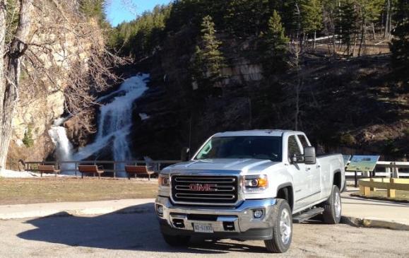 2015 GMC Sierra HD - front view scenic