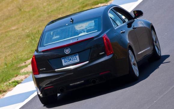 2013 Cadillac ATS - rear 3/4 view motion